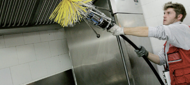 operatore-pulizia-cappe